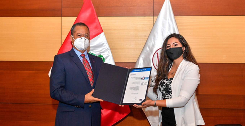 Oficina de gestión documental del Perú recibió el Certificado ISO 9001
